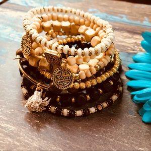 ruesroom Jewelry - Set of 10 boho,Indian,tribal bracelets,stacking